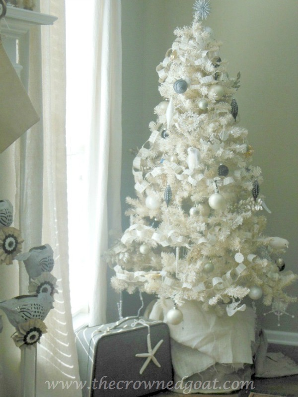 Neutral Inspired Christmas Ideas - The Crowned Goat