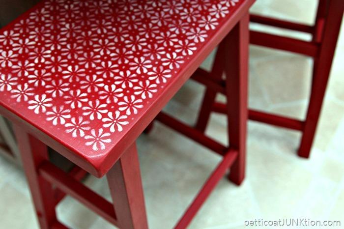 stenciled-flower-design-Petticoat-Junktion
