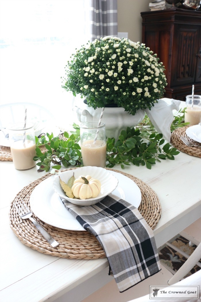 Fall Decorating: The Breakfast Nook