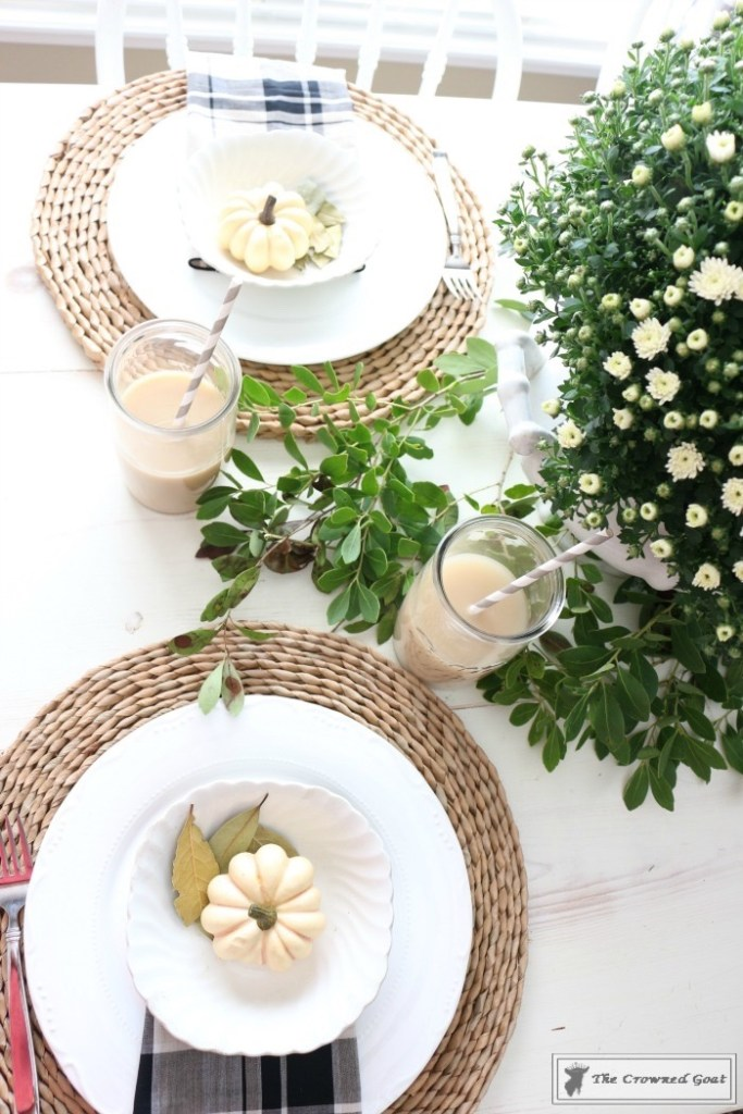 fall-decorating-in-the-breakfast-nook-6