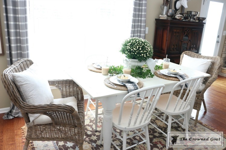 fall-decorating-the-breakfast-nook-14