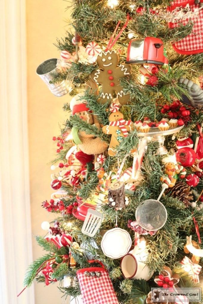 traditional-christmas-home-tour-11