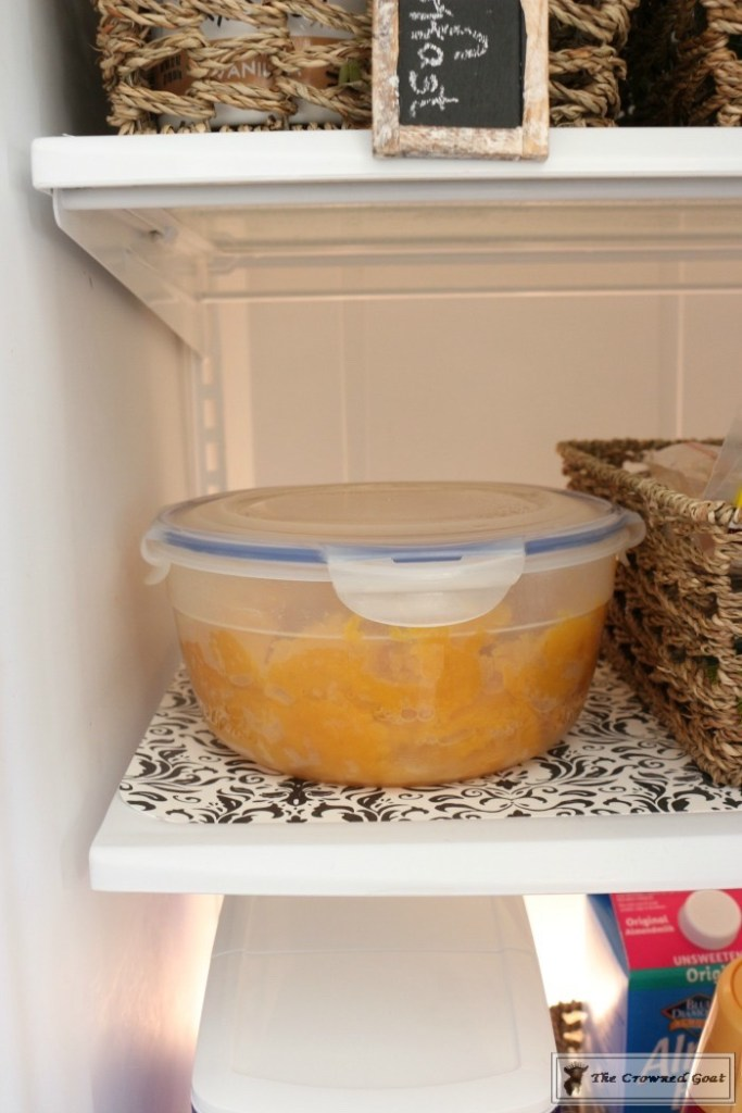 organize-your-refrigerator-with-baskets-7