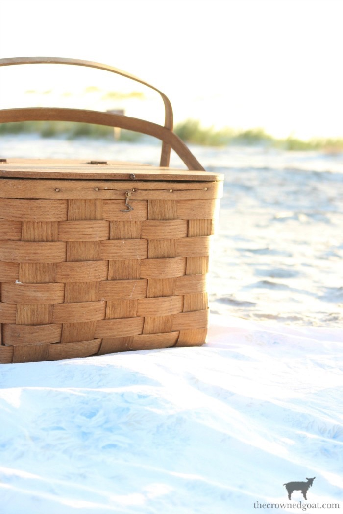 Pack a Picnic to Take to the Beach - The Crowned Goat
