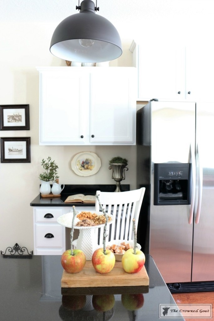 How to Decorate for Fall with Apples-18