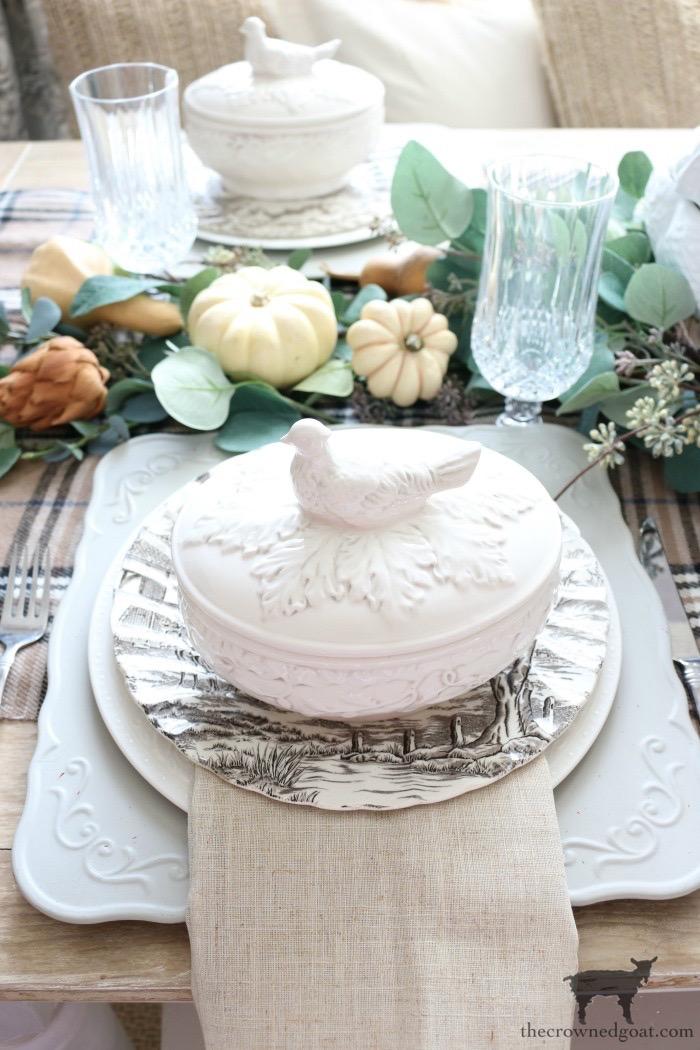 Simple Thanksgiving Tablescape Ideas
