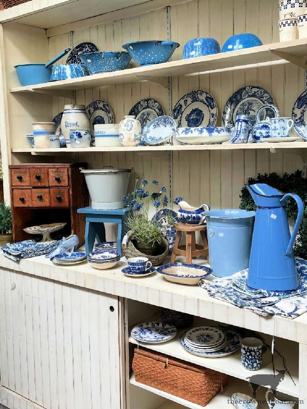 Tips for Shopping Yard Sales and our Latest Finds-The Crowned Goat