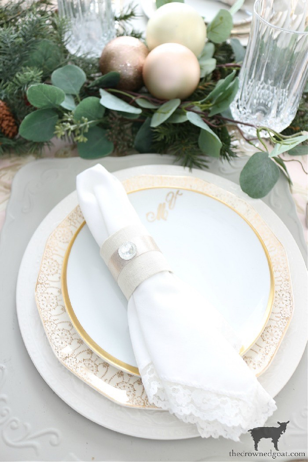 Simple Ways to Prepare Now for the Holidays-Christmas Place Setting Ideas-The Crowned Goat