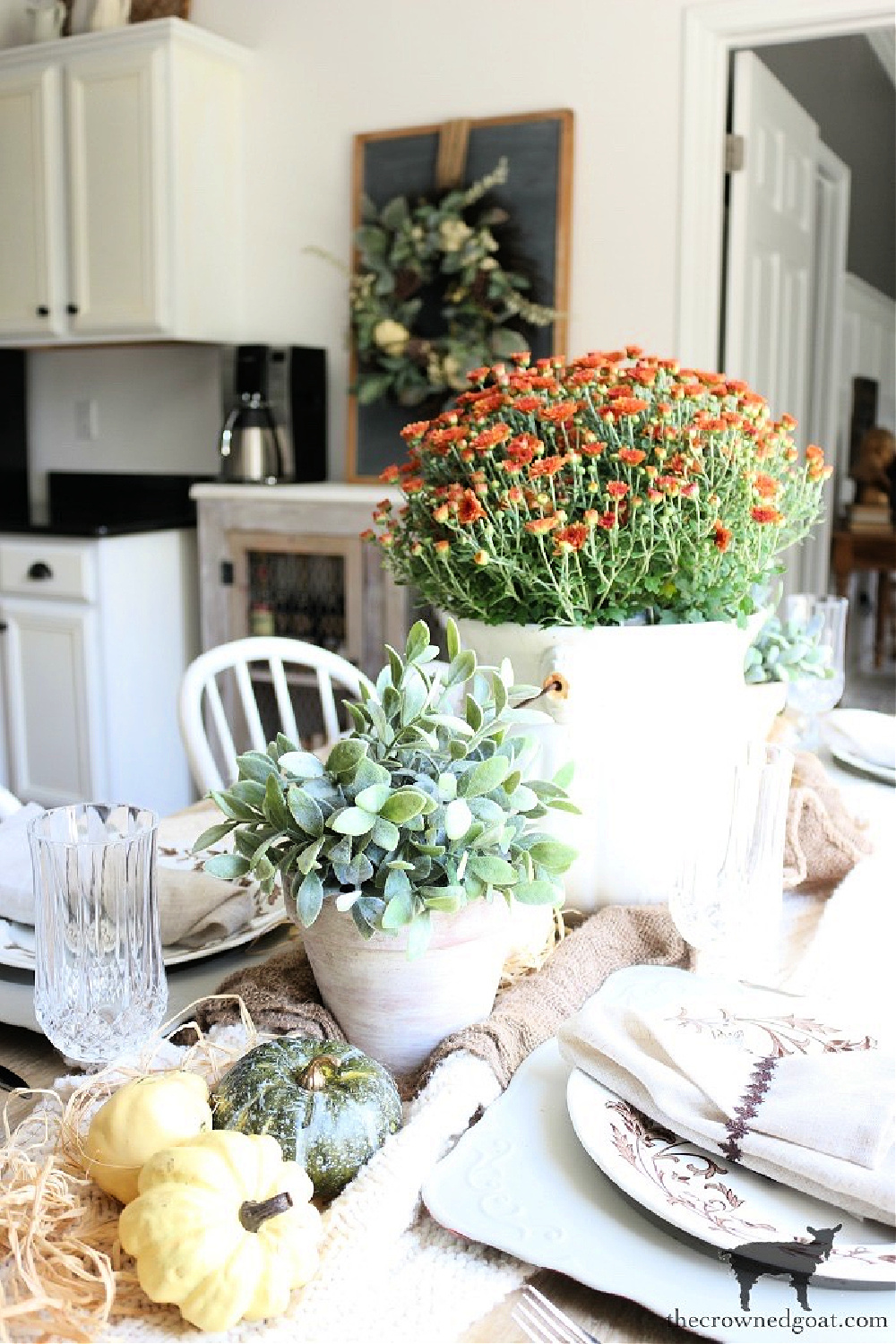 Simple Ways to Prepare Now for the Holidays-Festive Tablescapes in the Breakfast Nook-The Crowned Goat