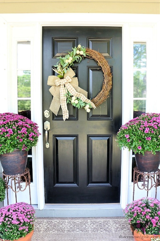 Early Fall Craft and Decorating Ideas-DIY Grapevine Wreath-The Crowned Goat