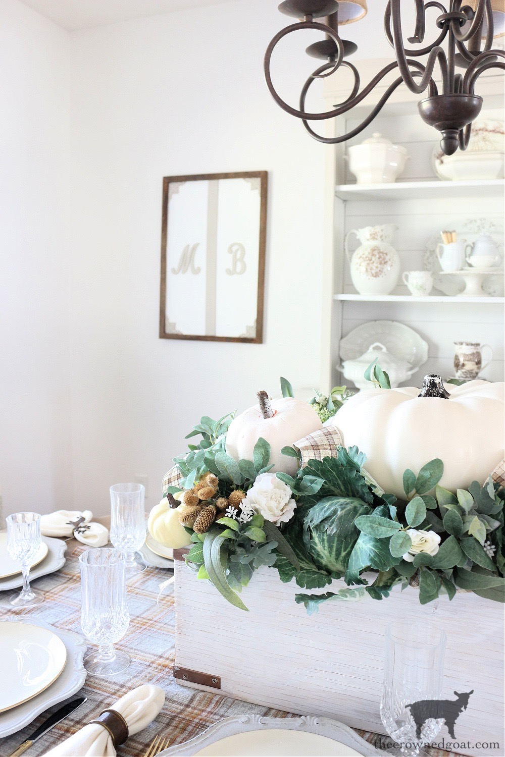 Finding Fall Inspiration by Decorating the Dining Room-The Crowned Goat
