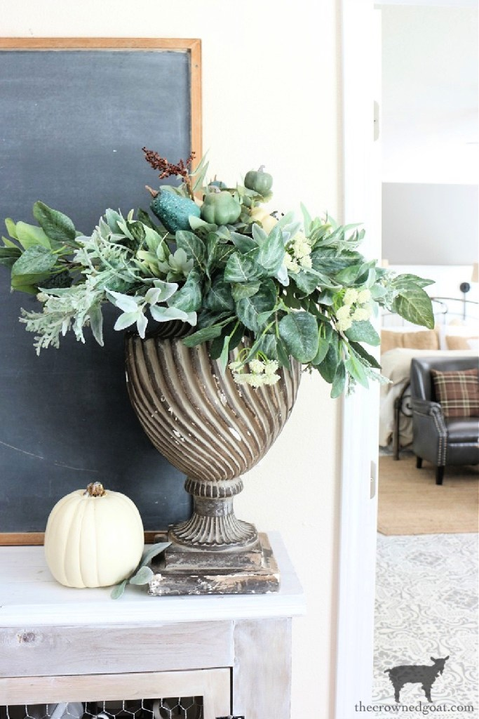 Simple Chalkboard Decorating Ideas-Fall Decorating Backdrop-The Crowned Goat