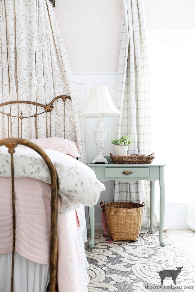 Blush Bedroom with Bed Crown-The Crowned Goat