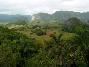 Landscape_of_Pinar_del_Rio_-_Cuba