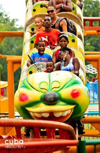 kids on the roller coaster at Lenin park © Cuba Absolutely, 2014