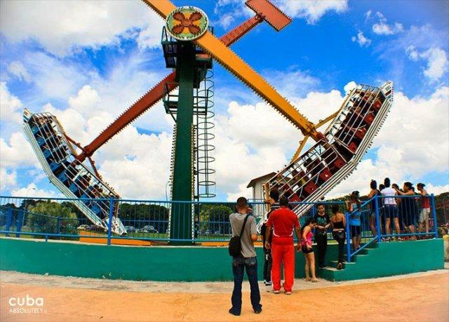 big games at Lenin park © Cuba Absolutely, 2014