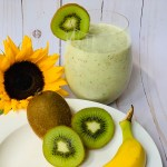 Whole kiwi slices with peel in a smoothie recipe