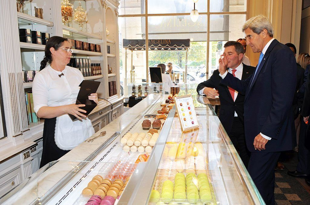 Secretary Kerry at Angelina (http://commons.wikimedia.org/wiki/File:Secretary_Kerry_Stops_at_a_Parisian_Pastry_Shop.jpg)