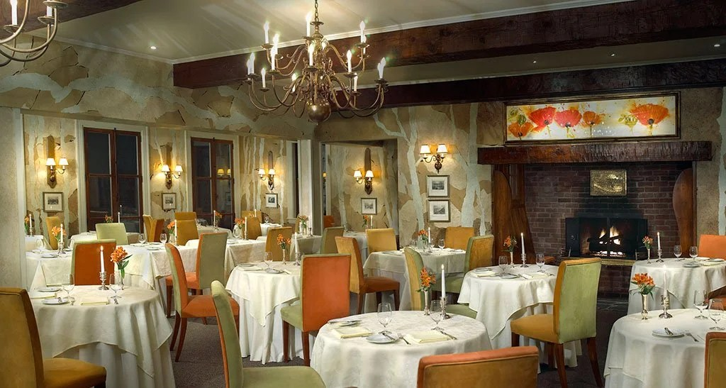 e Hatley Restaurant, Manoir Havoy, Quebec