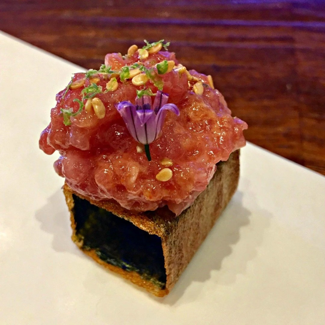Spicy tuna tartar at Tickets Barcelona
