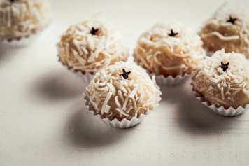 Beijinho is a handmade candy from Brazil. Made with condensed milk and coconut. Children brithday party sweet.