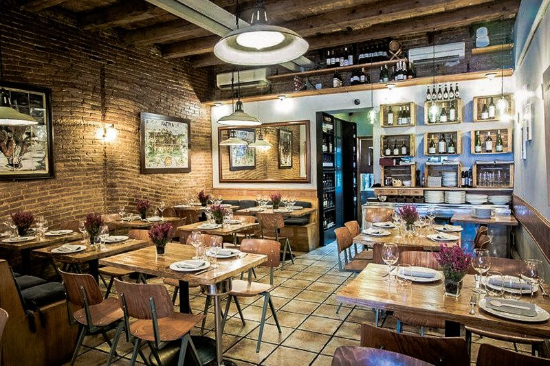 Arroseria Xativa restaurant-layout - serving some of the best paella in Barcelona