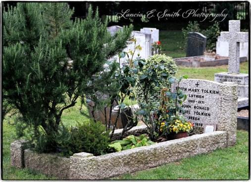 Tolkiens-Grave