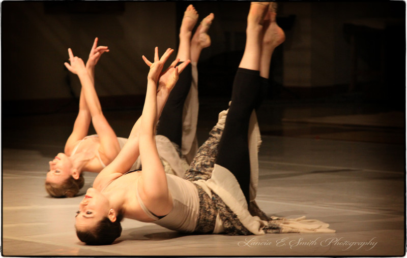 Emily Runyeon and Sarah Yarbrough in I Surrender All - Ad Deum - image copyright Lancia E. Smith - www.lanciaesmith.com