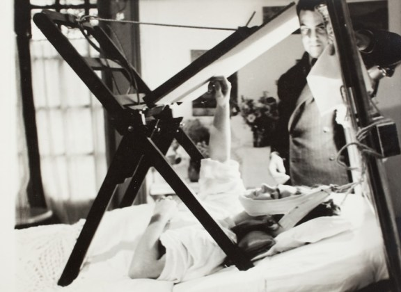 Frida Kahlo traction 2