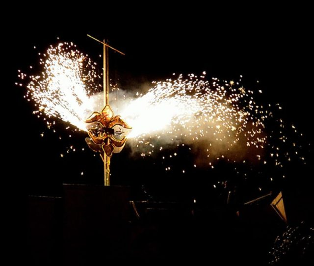 Fireworks And Fleur De Lis Drop If Youre Looking To Experience An Authentic New Years Eve