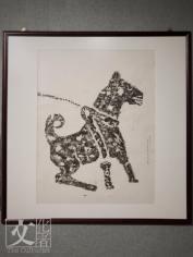 東漢牽犬圖畫像於1940年拓的石拓本,原作品於四川樂山市柿子灣崖墓出土。