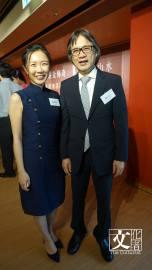 一新美術館創辦人孫少文(右)與其館長千金孫燕華。