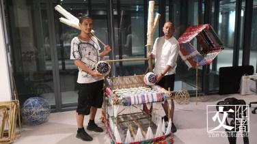 CHAT六廠社區及共學策展人盧樂(右)及日本藝術家田口行弘(左)