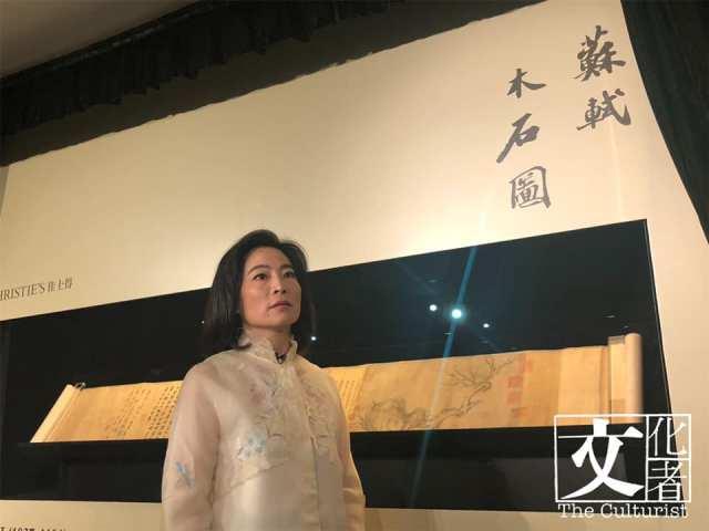 魏蔚不時為客人投得心頭好。去年香港秋拍,佳士得共斬獲HK$27.5億的總成交額,並打破多項拍賣紀錄。當中包括「中國書畫界聖杯」- 蘇軾《木石圖》,HK$4.1億落槌,連傭HK$4.63億成交,刷新了香港的中國書畫拍。