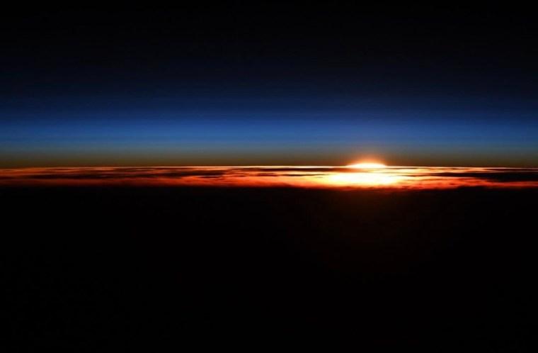 12月中的某一次日落。(相片來源:Christina Koch Instagram)