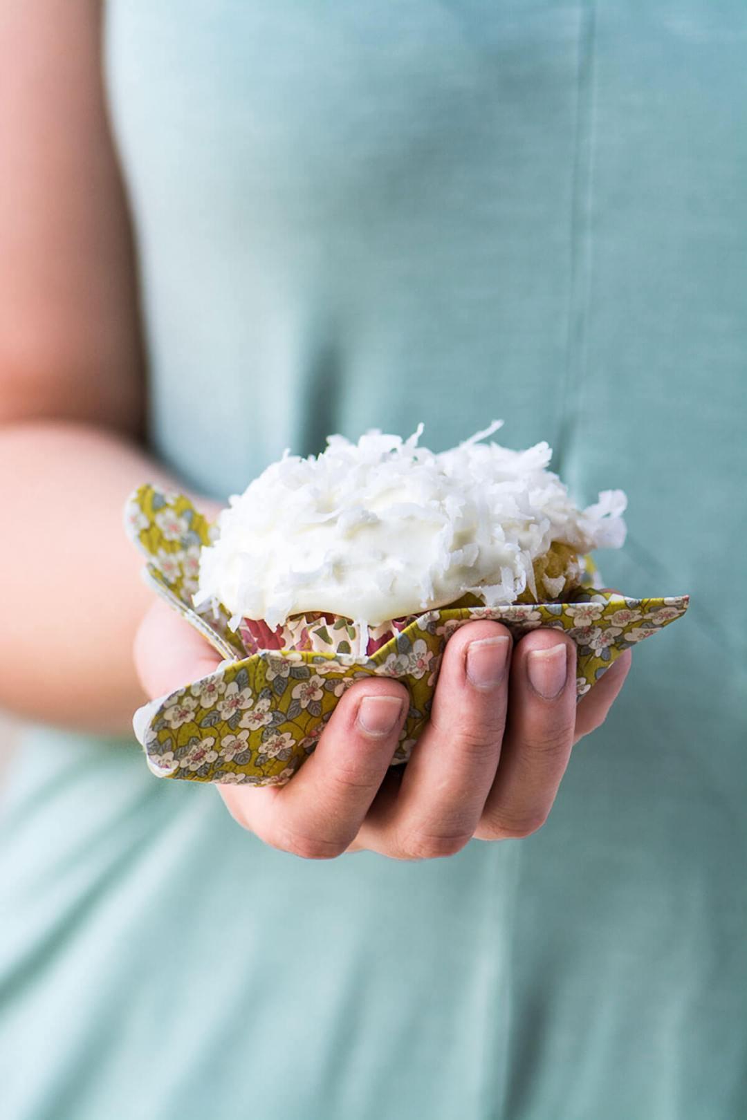 """Cupcakes de coco de Ina Garten 'title =' Cupcakes de coco de Ina Garten '/></div data-recalc-dims=""""1""""> </div> </div> <section class=""""av_textblock_section """"> <div class="""