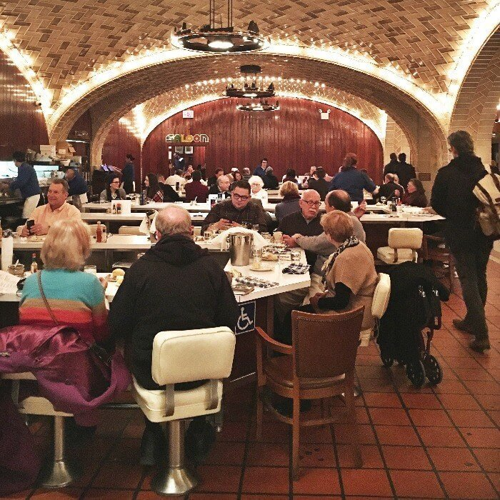 Interior of the Grand Central Oyster Bar