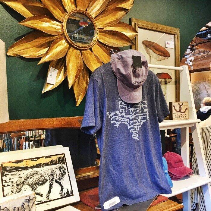 Texas Gear T-Shirt and Gold Mirror