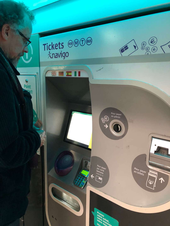 Paris Metro ticket machine
