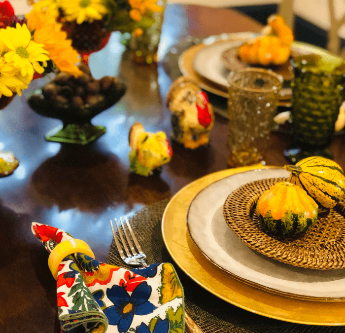 Living With Vintage:  Rustic Thanksgiving Table Decor