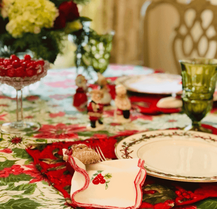 Living with Vintage:  Christmas Tablescape Ideas