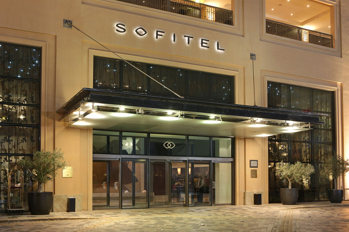 Sofitel_Jumeirah_The-Hotel-2