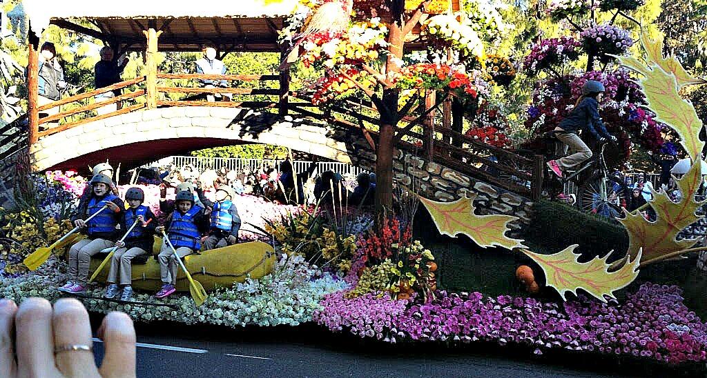 build a float for the Pasadena Rose Parade www.thedailyadventuresofme.com