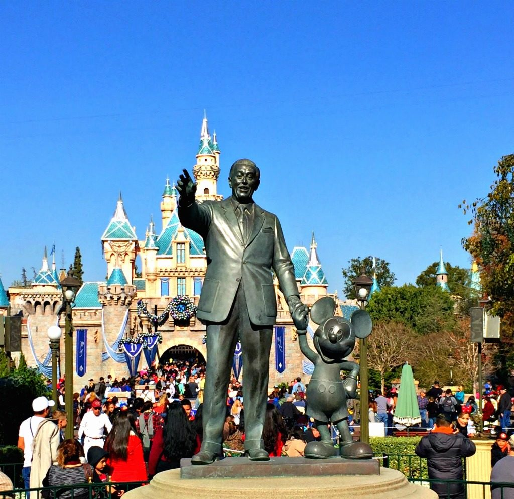 Both Disney California parks in one day? www.thedailyadventuresofme.com