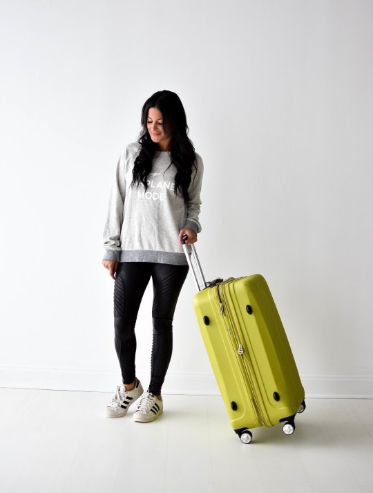 What to Pack in Your Carry On for a Long Flight