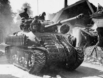 sherman_firefly_1c_5th_canadian_armoured_division_8th_princess_louise_nb_hussars_putten_holland_april_1945-_lac
