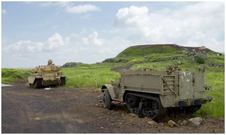 tel-saki-half-trackcenturion-tank