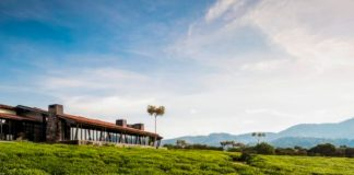 OO_NyungweHouse_Exteriors_House_Morning_Sun