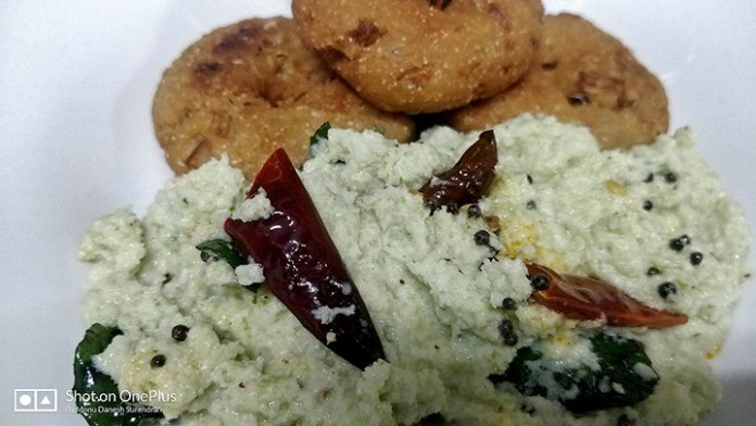 My attempt at making an easy Uzhunnu Vada @ home, without Uzhunnu!