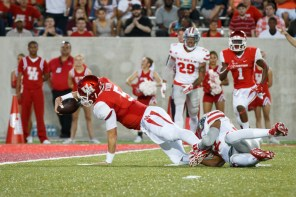 Sophomore quarterback John O'Korn was a facet in the Cougars' running game Saturday night as he stretched out for a total of 47 rushing yards. | Justin Tijerina/The Cougar